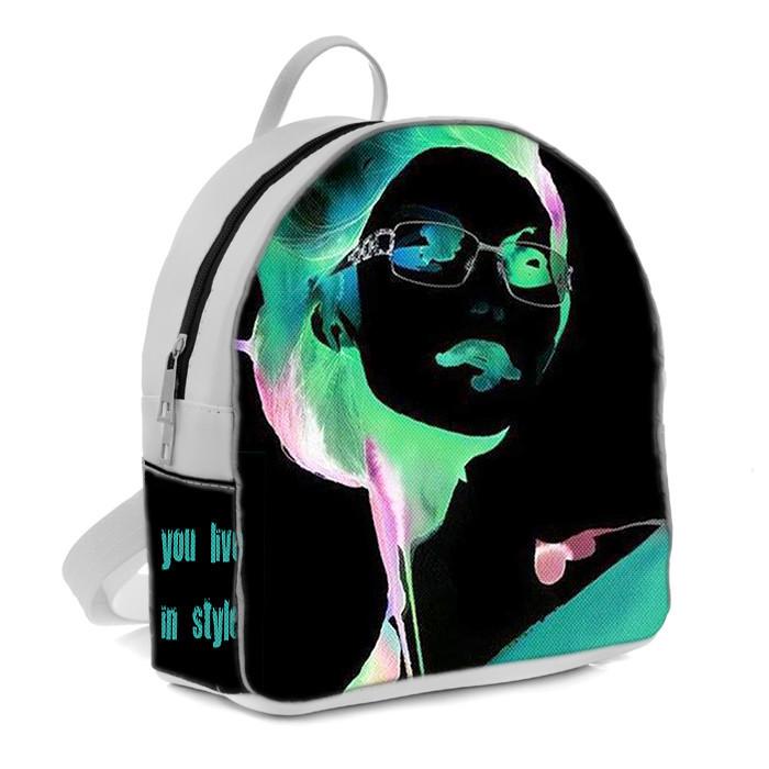 Белый молодежный городской рюкзак с принтом Девушка