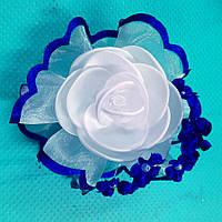 Заколка для волос Роза и синие цветы