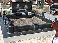 Надгробие с цветником масивнным   киев