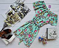 Летнее платье с двумя воланами шифон-софт, с поясом яркий принт: малиновые розы ментол