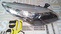 Фара передняя правая линза Renault Megane 09-> Оригинал б\у