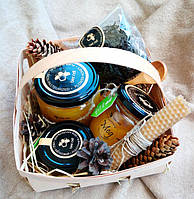 Медовый набор с чаем в лукошке