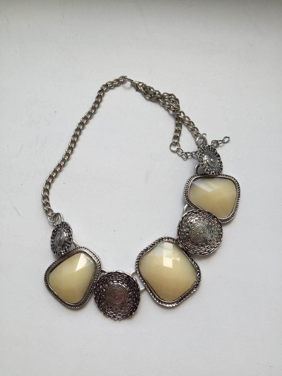 Украшение на шею монетки с камнями