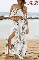Эффектный женский костюм (легкая летняя ткань, принт, боюки клеш, высокие разрезы, топ, открытые плечи)