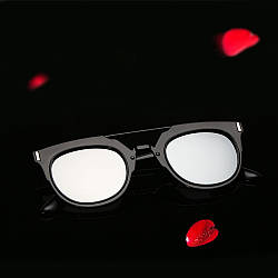 Солнцезащитные очки  фигурные двойная переносица
