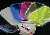 Антискользящий коврик Nano Pad в авто, 8х14см