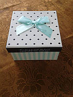 Коробочка квадратная подарочная в горошек