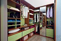 Светло-зеленая гардеробная