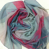 Яркий  шарф   из шифона  с рисунком