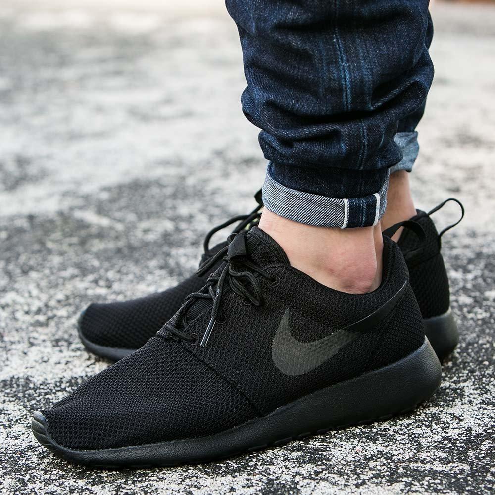 huge selection of 615a0 7da70 Оригинальные мужские кроссовки Nike Roshe One