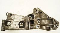 Кронштейн крепления генератора б/у Renault Megane 2 8200393718, 8200663057