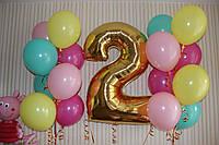 Фольгированная золотая цифра 2 с гелием