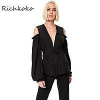 Стильный женский эксклюзивный пиджак с вырезами на плечах с запахом и поясом