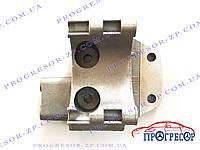 Кронштейн компрессора кондиционера Chery Amulet / A11-3412041