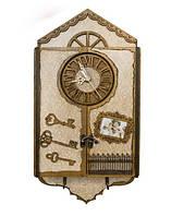 Настенная деревянная ключница с часами. Ручная работа