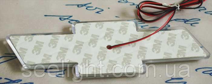 Автомобильный логотип Chevrolet  17.0*5.5 см. светящаяся подкладка, белый/красный