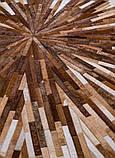 Коричнево бежевый ковер из лоскутов шкуры для современного интерьера, фото 3