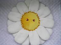 Декоративная подушка цветок ромашка полевая ручная работа