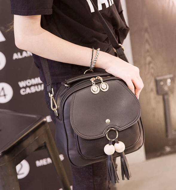 Рюкзак сумка женская с кисточкой Черный