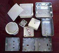Коробки и ящики для электропроводок и кабельных линий