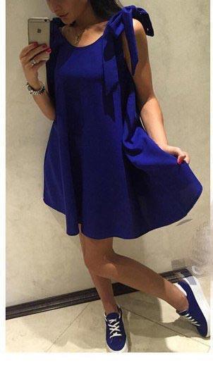 Синий летний сарафан с открытой спиной