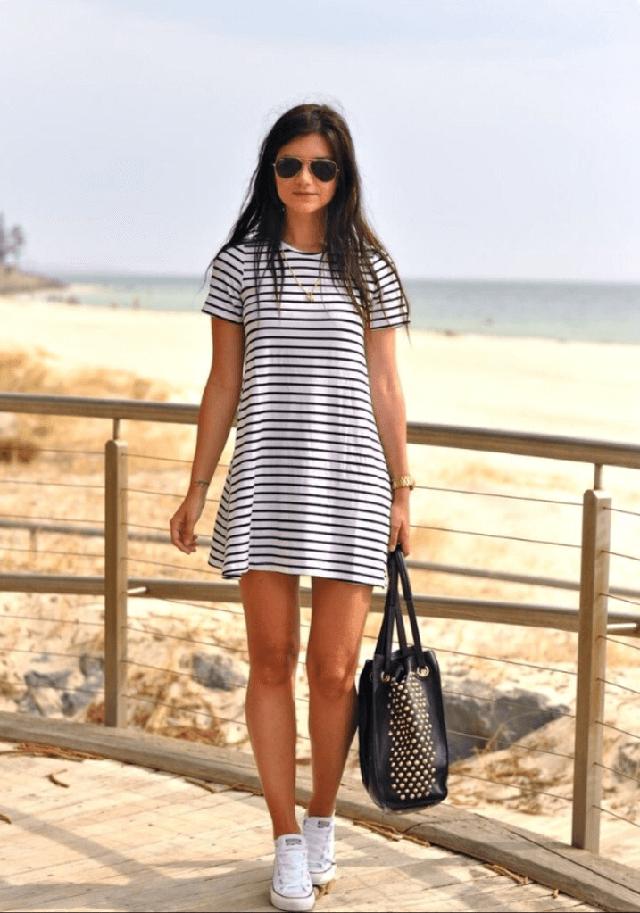 платье в полоску с чем носить