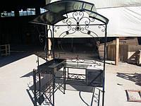Кованый мангал с крышей и печкой
