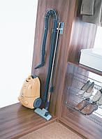 Крепление для пылесоса в шкаф