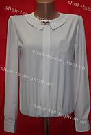 Блуза школьная белая с брошью