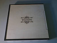 Деревянная подарочная коробка.