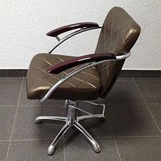 Кресло парикмахерское на гидравлике.