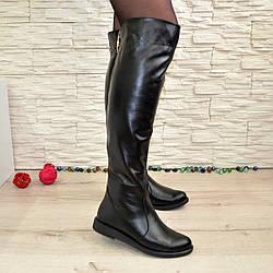 Женские кожаные демисезонные ботфорты на низком ходу