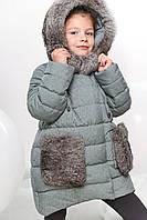 Детская зимняя куртка с цельным капюшоном оформленым натуральным мехом