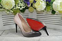Женские лаковые туфли на каблуке шпильке уникальной расцветки! Модель - сиамская лапка.