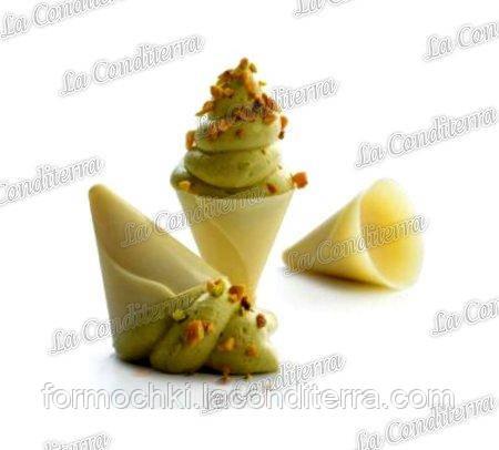 Поликарбонатная форма для шоколадных конфет MARTELLATO 20GU001