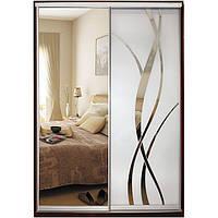 Шкаф-купе Классик двухдверный с фасадами из зеркал и зеркал с рисунком пескоструй