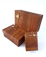 Прямоугольная подарочная коробка ручной работы в коричневом тоне под дерево с деревянным сердечком