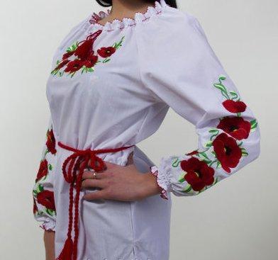Женская блуза,вышита гладью
