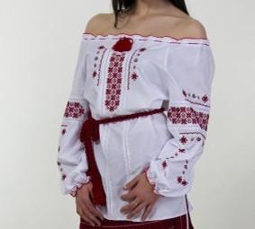 Женская блуза,вышита крестиком на батисте 46-56