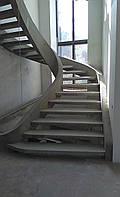 Бетонная лестница для коттеджа