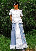 Летний женский костюм. Блузка из кружева и юбка с вышивкой натуральным шелком