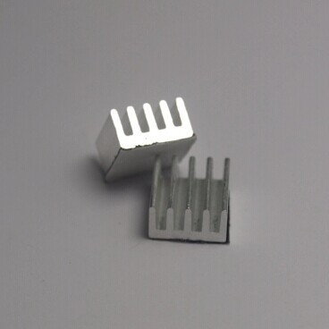 Мини Радиатор 11х11х5 мм.  ребристый