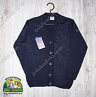 Пуловер для подростка на пуговицах вязанный с V-образным вырезом