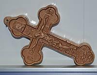 Крест нательный деревянный