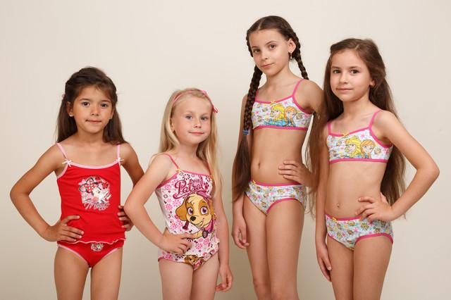 Трусики, маечки , комплекты белья для девочек
