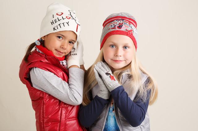 Детские перчатки , шапки , хомуты