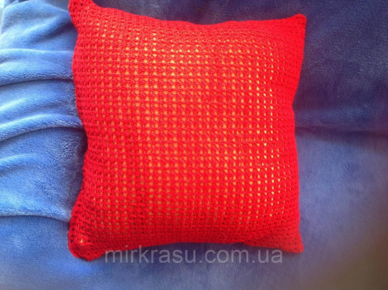 Красная декоративная диванная подушка - Интернет-магазин «Мир КРАСОТЫ» в Харьковской области