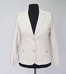 Пиджак женский бежевого цвета большого размера