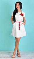Женское свободное платье из льна белого цвета