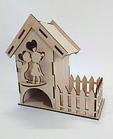 Чайный домик с конфетницей и фигуркой